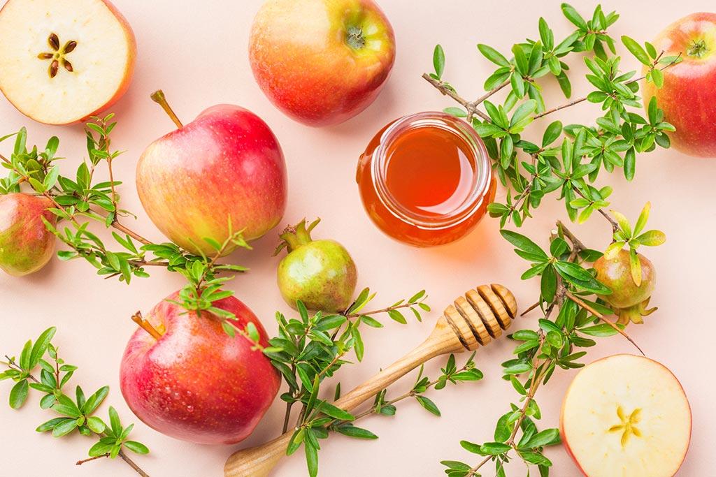 תפוחים, דבש ורימונים